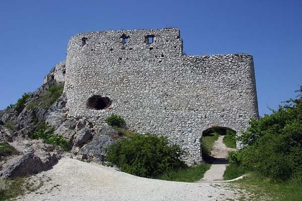 Burgruine Čachtický