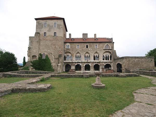 Burg Tata (Öregvár)