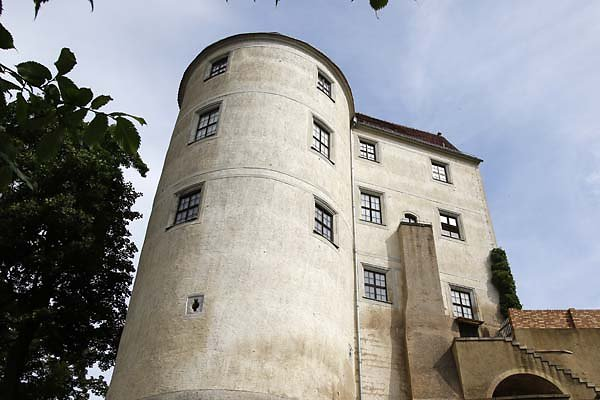 Schloss-Nossen-2.jpg