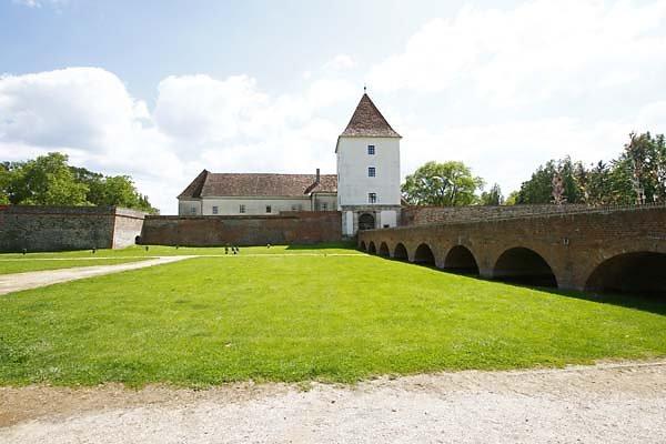 Schloss-Nadasdy-1.jpg
