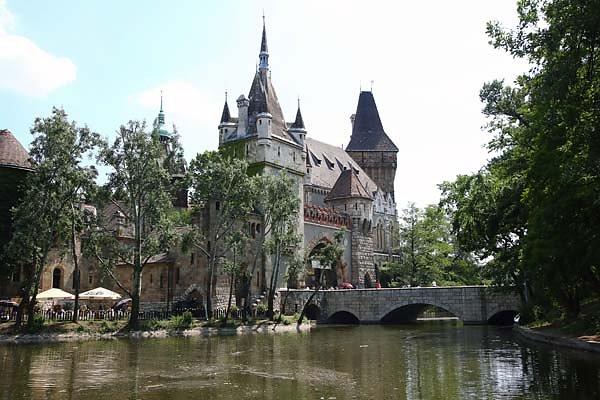 Schloss-Vajdahunyad-3.jpg