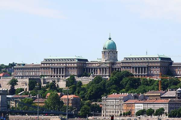 Burgpalast-Buda-1.jpg