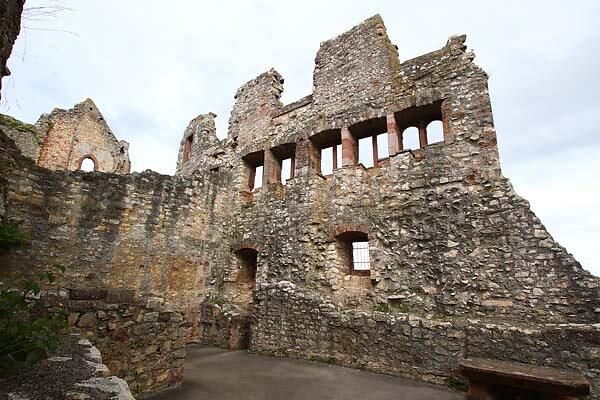 Burg-Roetteln-300.jpg