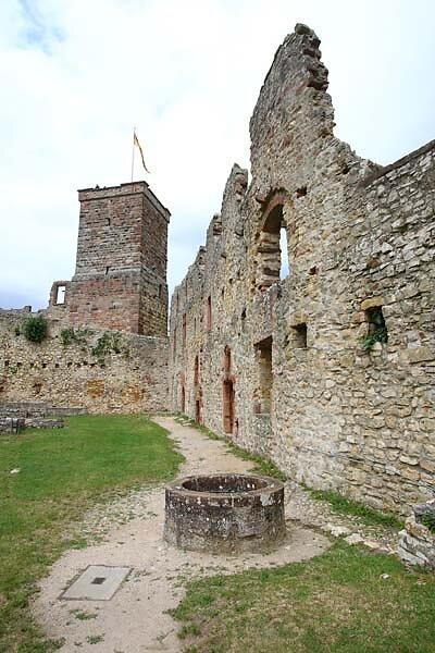 Burg-Roetteln-320.jpg