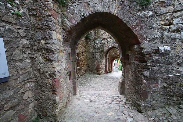 Burg-Roetteln-380.jpg