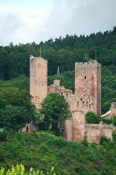 Burgruine-Henneburg-3.jpg