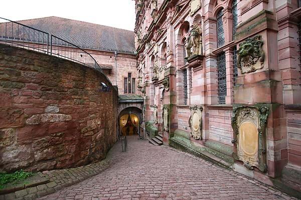 Schlossruine-Heidelberg-200.jpg