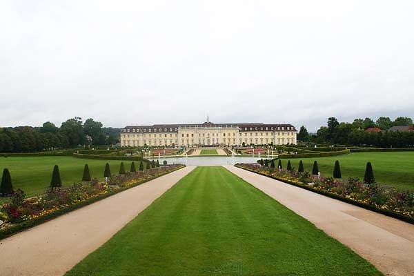 Schloss-Ludwigsburg-1.jpg
