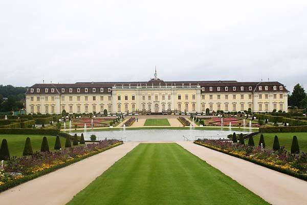 Schloss-Ludwigsburg-2.jpg