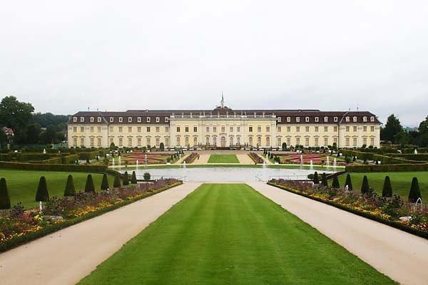 Schloss-Ludwigsburg-3.jpg
