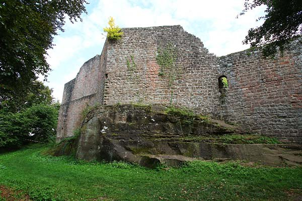 Burgruine-Madenburg-3.jpg