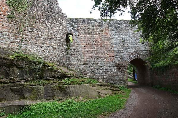 Burgruine-Madenburg-4.jpg