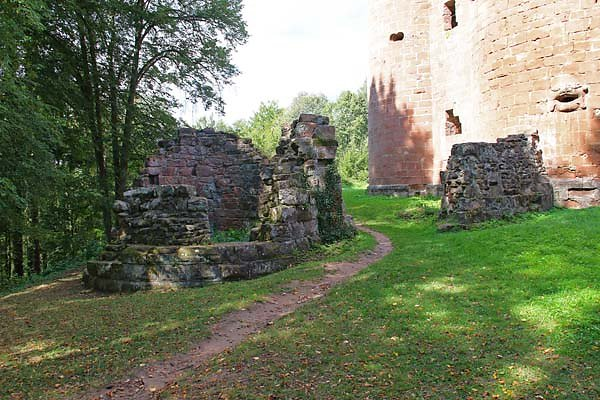 Burgruine-Neu-Dahn-20.jpg