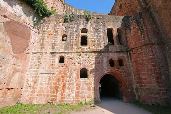 Schloss-und-Festungsruine-Hardenburg-364.jpg