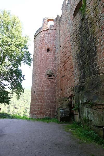 Schloss-und-Festungsruine-Hardenburg-366.jpg