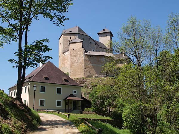 Burg-Rappottenstein-1.jpg