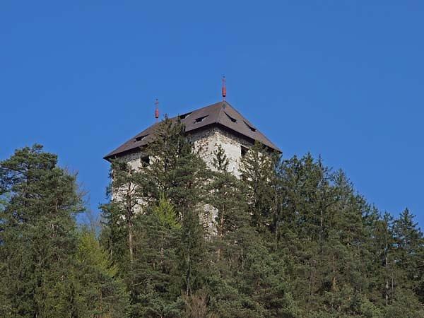 Burguine-Weissenegg-1.jpg