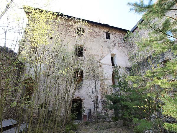 Burguine-Weissenegg-13.jpg