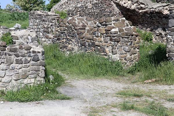 Burgruine-Tatika-7.jpg