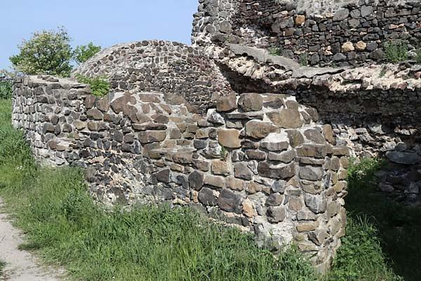 Burgruine-Tatika-11.jpg