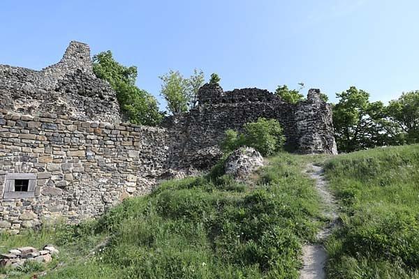 Burgruine-Tatika-16.jpg