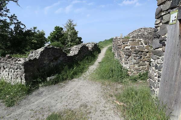 Burgruine-Tatika-19.jpg