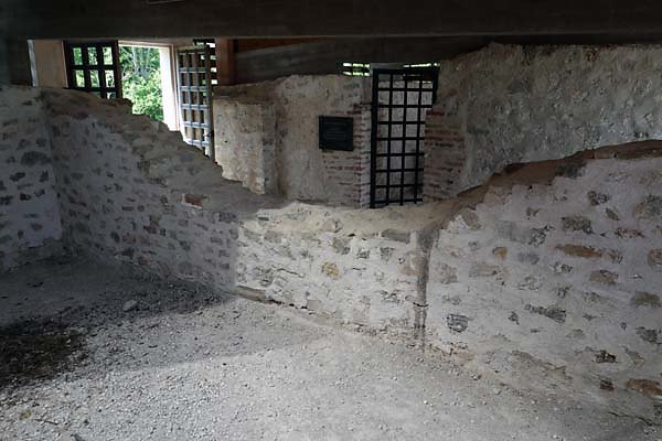 Burgruine-Rezi-15.jpg
