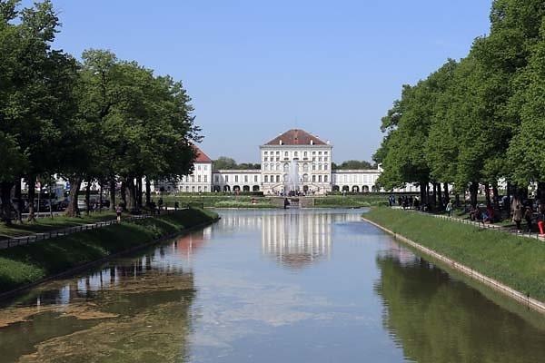 Schloss-Nymphenburg-1.jpg