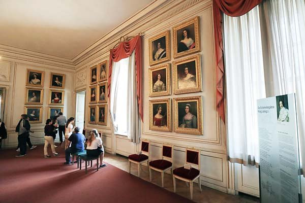Schloss-Nymphenburg-188.jpg