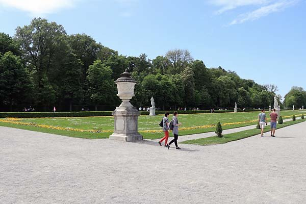 Schloss-Nymphenburg-Schlosspark-1.jpg