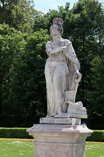 Schloss-Nymphenburg-Schlosspark-10.jpg