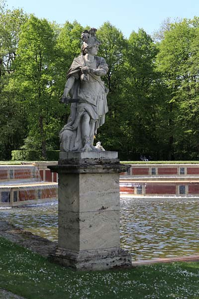 Schloss-Nymphenburg-Schlosspark-17.jpg