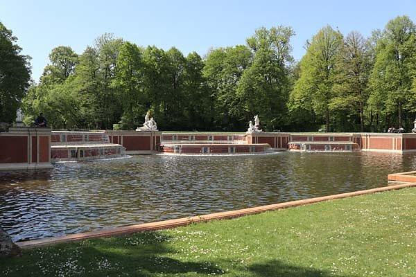 Schloss-Nymphenburg-Schlosspark-19.jpg