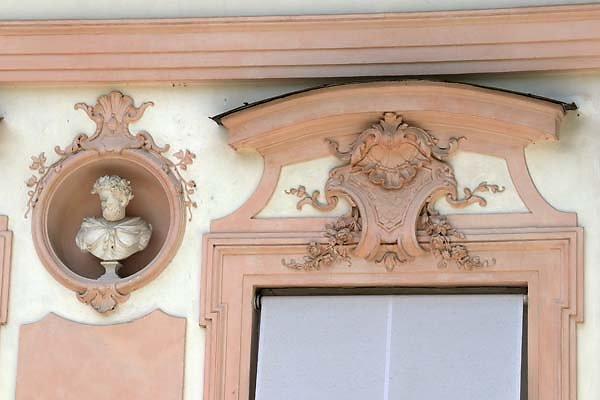 Schloss-Nymphenburg-Amalienburg-3.jpg