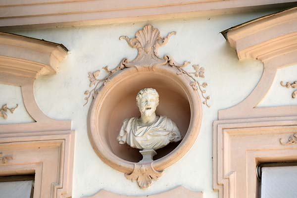 Schloss-Nymphenburg-Amalienburg-7.jpg