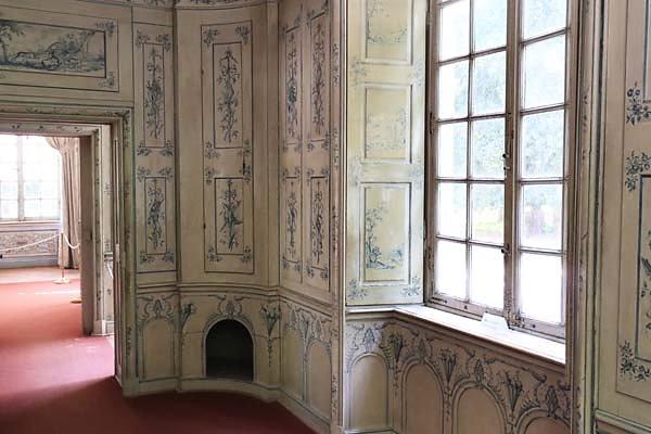 Schloss-Nymphenburg-Amalienburg-17.jpg