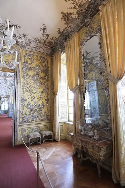 Schloss-Nymphenburg-Amalienburg-27.jpg