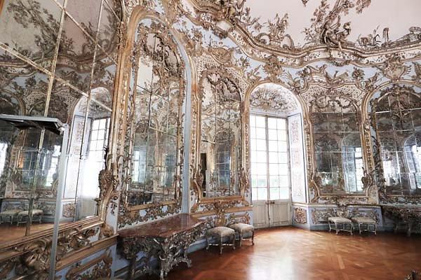 Schloss-Nymphenburg-Amalienburg-36.jpg