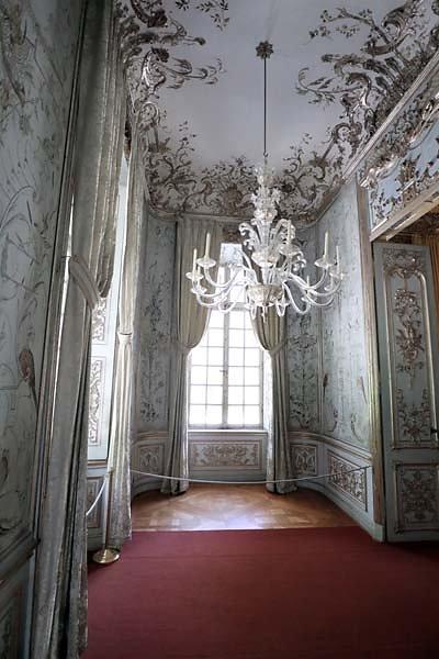 Schloss-Nymphenburg-Amalienburg-75.jpg