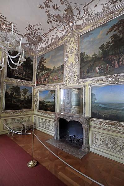 Schloss-Nymphenburg-Amalienburg-86.jpg