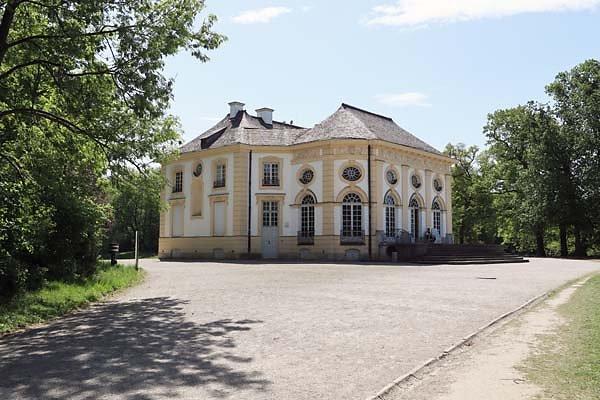 Schloss-Nymphenburg-Badenburg-1.jpg