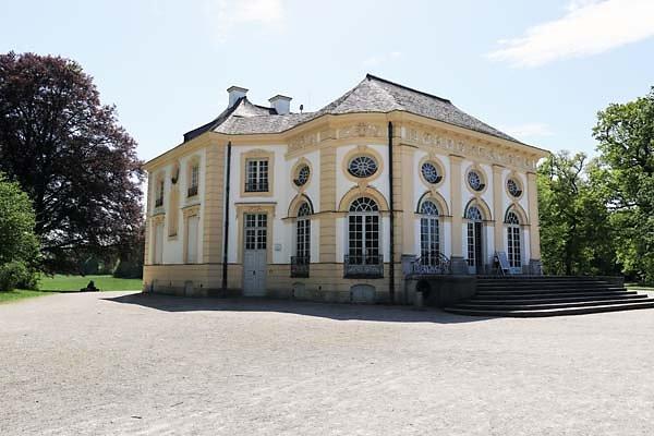 Schloss-Nymphenburg-Badenburg-2.jpg