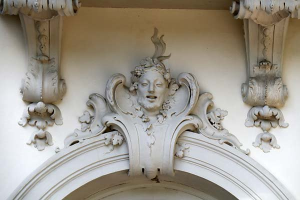Schloss-Nymphenburg-Pagodenburg-3.jpg