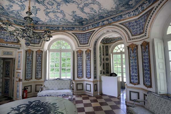 Schloss-Nymphenburg-Pagodenburg-4.jpg
