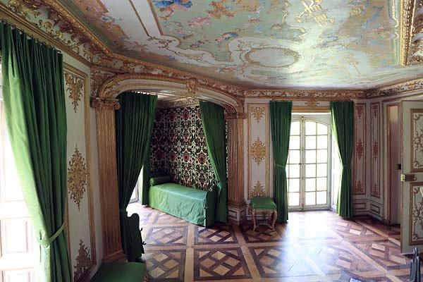 Schloss-Nymphenburg-Pagodenburg-15.jpg
