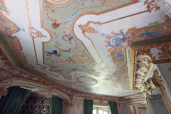 Schloss-Nymphenburg-Pagodenburg-16.jpg