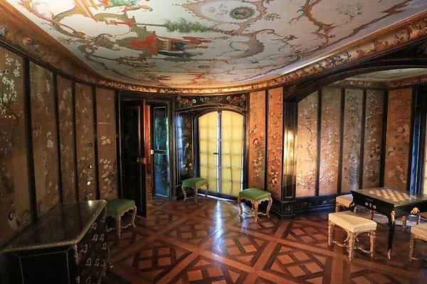 Schloss-Nymphenburg-Pagodenburg-18.jpg