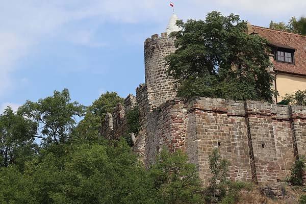 Burg-Schoenburg-1.jpg