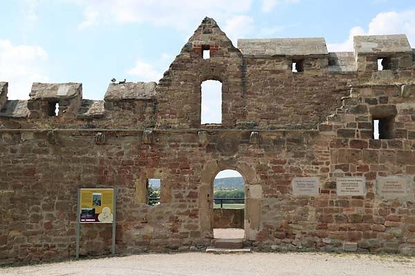Burg-Schoenburg-20.jpg