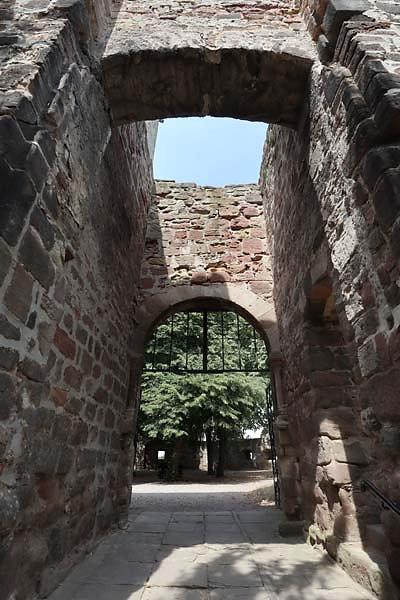 Burg-Schoenburg-31.jpg